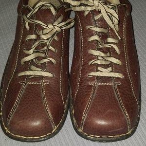 BORN tie up shoes